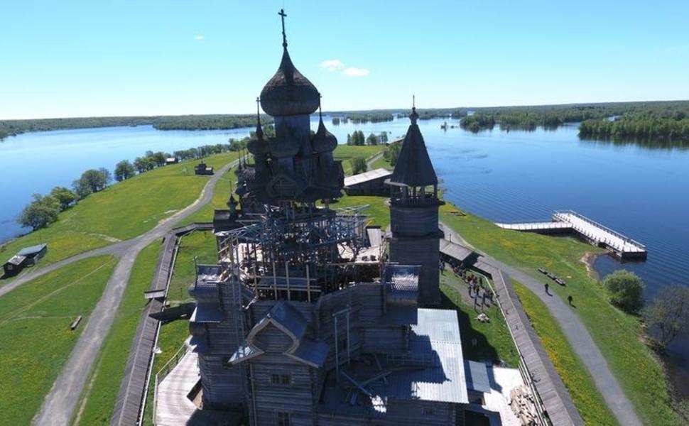 Реставрация памятников деревянного зодчества установка памятника могилы в москве